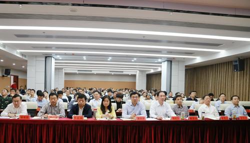 潜江集中收看中央宣讲团来鄂宣讲党的十九大精神报告会