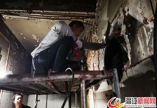 潜江中心城区中小型餐饮店正安装油烟净化设施