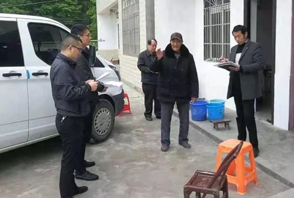 市人大常委会机关驻村工作队扎实开展低保申请工作